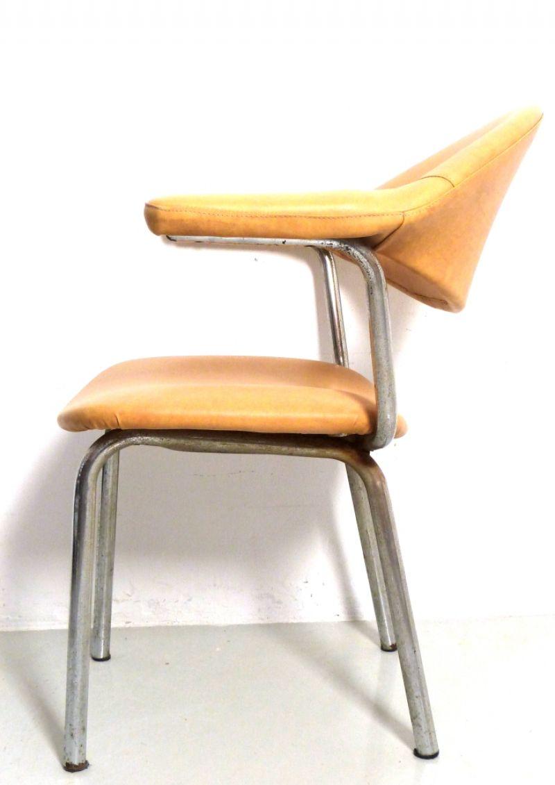 Waimea shop online sedia design anni 70 beige for Sedia design anni 70